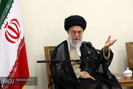 دیدار جمعی از مسئولان و فعالان فرهنگی استانهای یزد و همدان با مقام معظم رهبری
