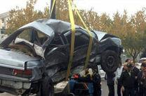 حادثه برخورد یک دستگاه پژو با اتوبوس / رانندگان اتوبوس باید قوانین رانندگی را بیشتر رعایت کنند