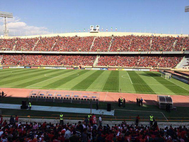 درهای استادیوم آزادی به روی هوادران باز شد