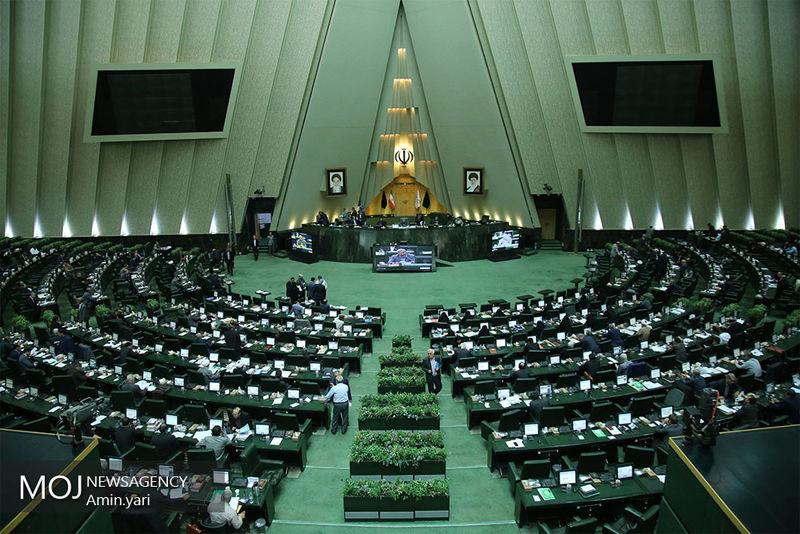 فوریت مستثنیکردن شهردار تهران از قانون منع بهکارگیری بازنشستگان رد شد