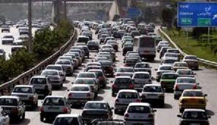 ترافیک آزادراه های البرز سنگین و جاده کرج- چالوس نیمه سنگین است