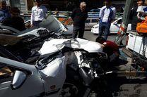 برخورد یکدستگاه خودرو پژو با تیر چراغ برق میدان امام حسین