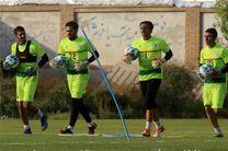 ثبت قرارداد دروازهبان سوم استقلال در هیئت فوتبال