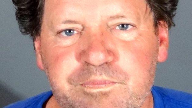 دستگیری راجر کلینتون حین رانندگی
