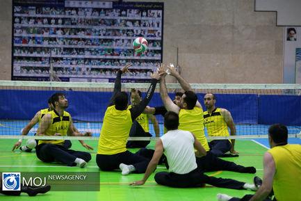 بازدید وزیر ورزش از اردوی تیمهای ملی والیبال نشسته