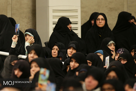 دیدار جمعی از خانوادههای معظم شهدا با مقام معظم رهبری