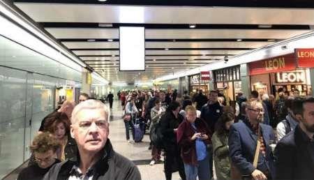 تعلیق شماری از پروازهای فرودگاه هیترو به دنبال هشدار امنیتی در این فرودگاه