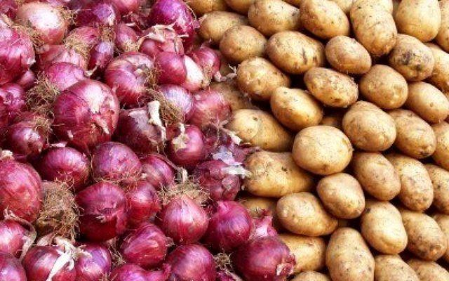 قیمت پیاز و سیب زمینی کاهش یافت