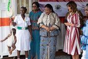 بازدید بانوی اول آمریکا از محل سابق نگهداری بردهها در غنا