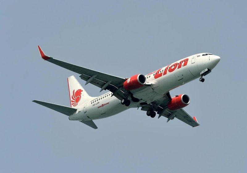 سقوط هواپیمای مسافربری اندونزی با ۱۸۸ سرنشین به داخل دریا