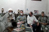 دیدار فرماندهی گروه پدافندهوایی حضرت معصومه (س) و ارشد نظامی ارتش در استان قم با جانباز آزاده ارتشی