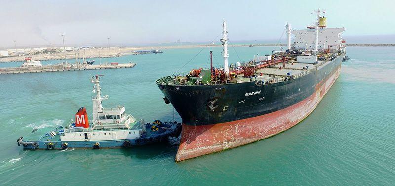 پهلوگیری نفتکش 25 هزاری تنی قیر صادراتی در بندر خلیج فارس