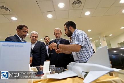 بازدید علی لاریجانی از نمایشگاه پارک فناوری پردیس