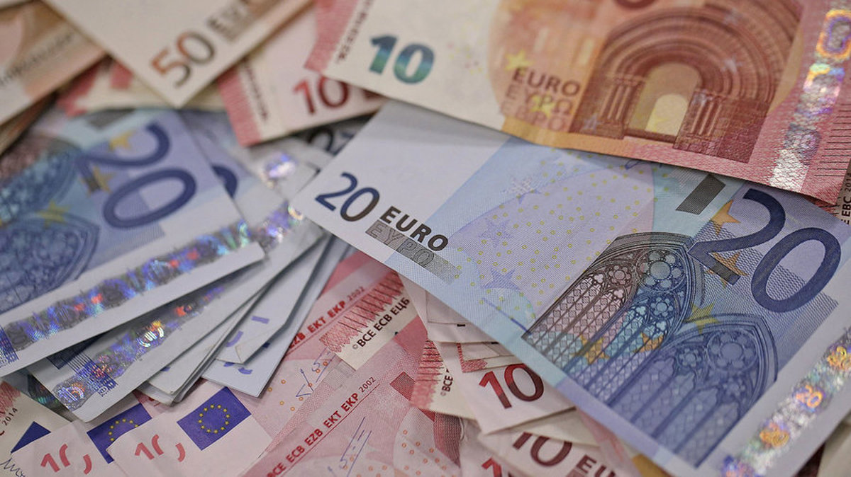 قیمت ارز در بازار آزاد تهران ۲۰ اسفند ۹۹/ قیمت دلار مشخص شد