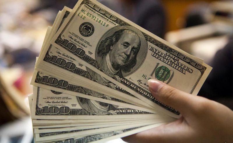 نرخ دلار تک نرخی در 21 مرداد ۴۲۰۰ تومان شد