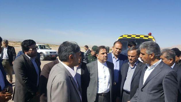 بازدید وزیر راه و شهرسازی از روند اجرایی طرح آزاد راه شرق اصفهان