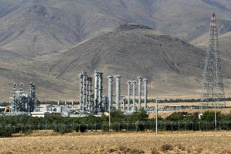 ایران 20 تن آب سنگین خود را به خارج از کشور منتقل میکند