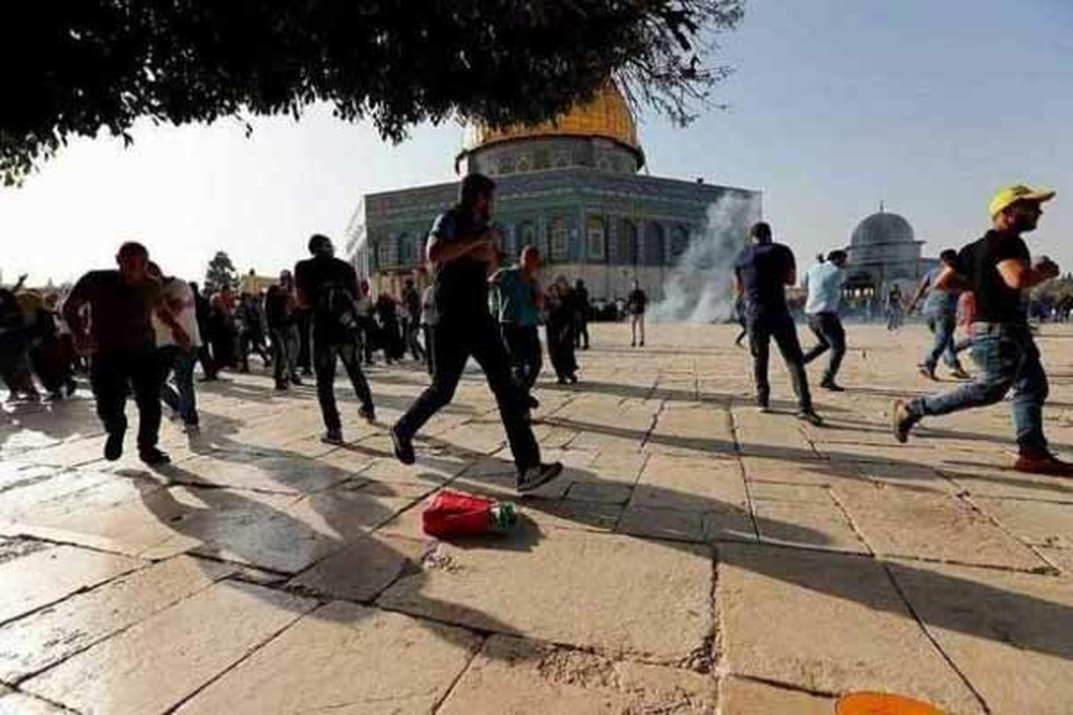 یورش وحشیانه شهرکنشینان رژیم صهیونیستی به «مسجدالاقصی»