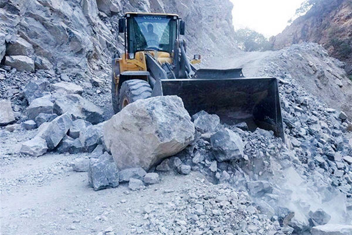 بازگشایی مسیر مسدود شده روستای زاچ و داربست