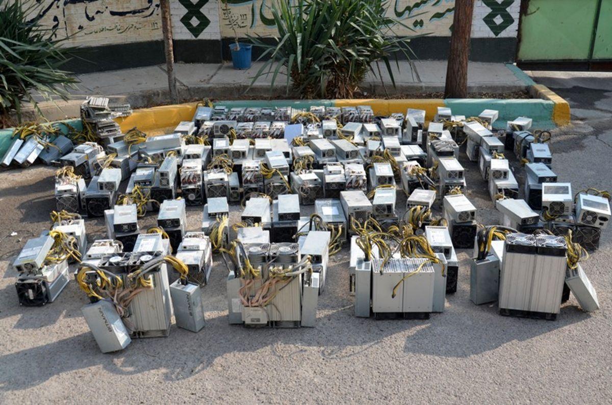 99 دستگاه ماینر در کرمان کشف شد