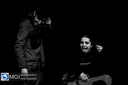 نمایش+تیمارستان+سیاه+و+سفید