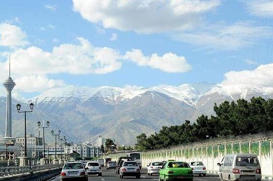 افزایش تدریجی دما در غالب مناطق کشور/ آسمان تهران صاف تا کمی ابری