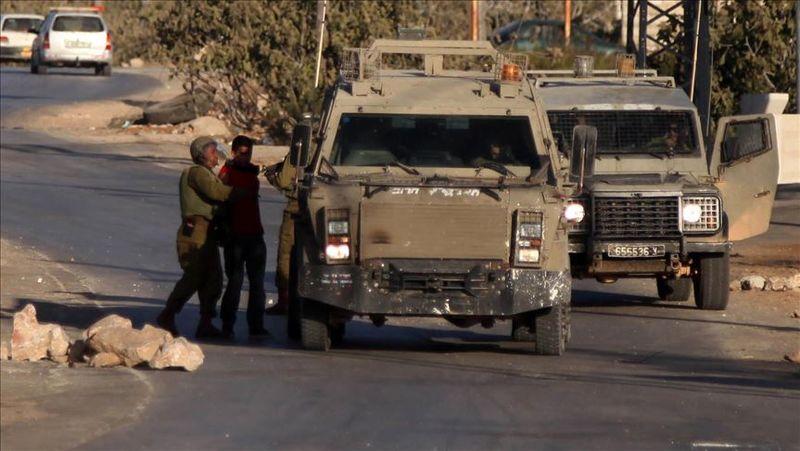 رژیم صهیونیستی 10 فلسطینی را در کرانه باختری بازداشت کرد