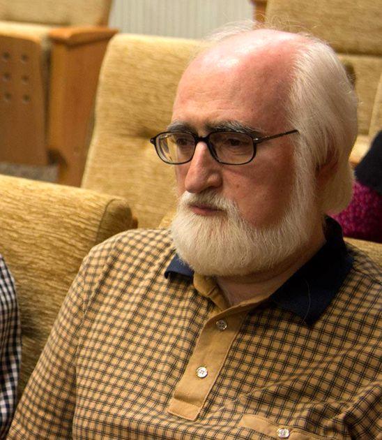روزی 3 شاعر در ایران متولد میشود