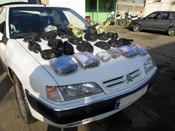 توقیف خودروی سمند با 542 کیلوگرم تریاک در اصفهان