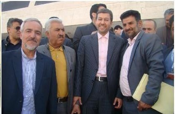 طرح تولیدی سنگ مصنوعی شهرداری صالح آباد در همایش هرمزکان ارائه شد