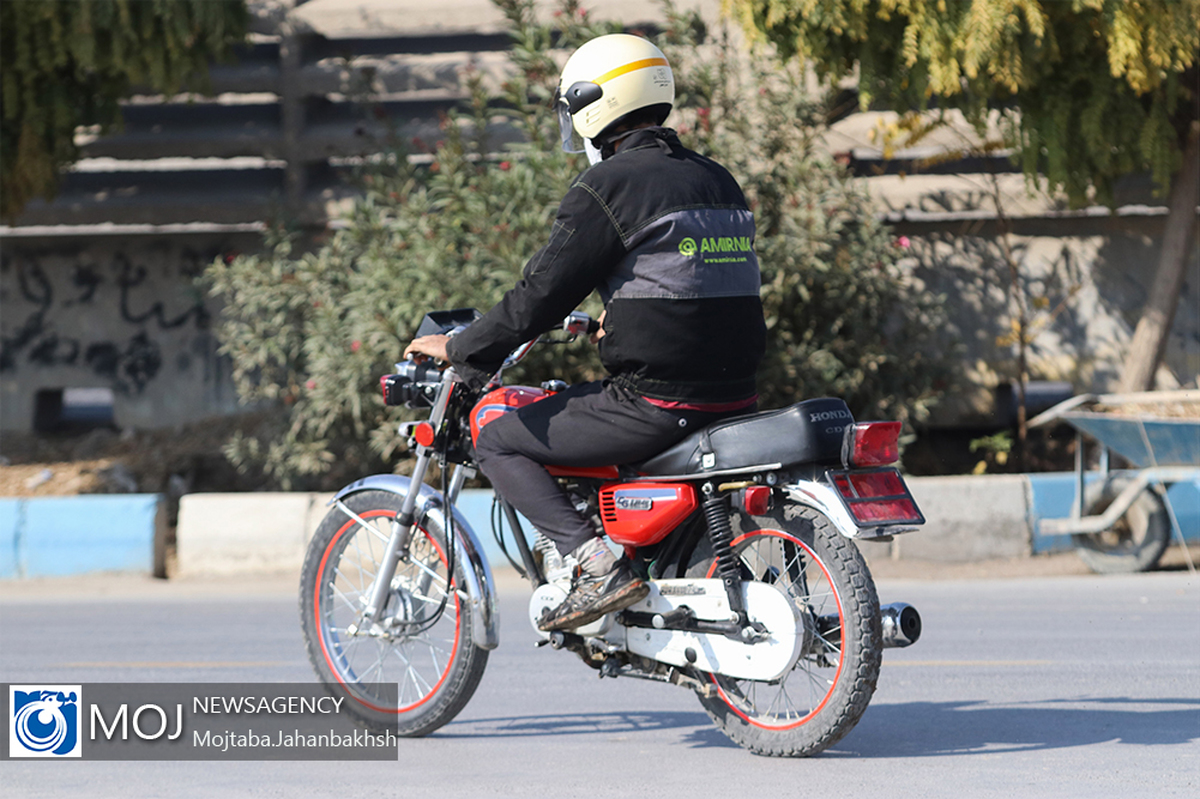 تردد موتورسیکلتهای دودزا در تهران از امروز ممنوع شد