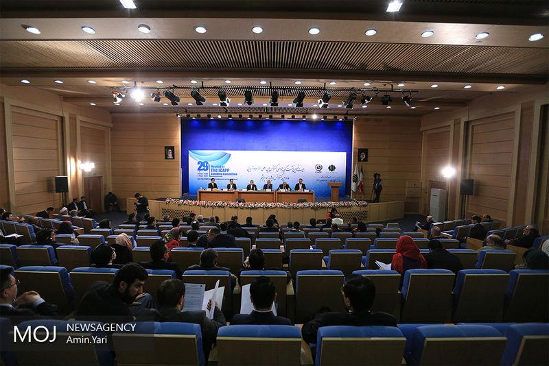 احزاب سیاسی نقش مهمی در شکل گیری هویت آسیایی دارند