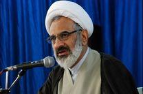 اگر نظام جمهوری اسلامی با شجاعت در دهان استکبار جهانی میزند به برکت خون شهداست