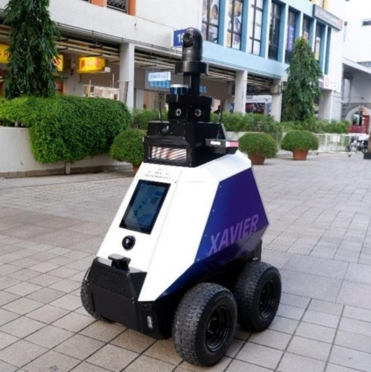 ربات خودران بدرفتاری در سنگاپور را جریمه میکند