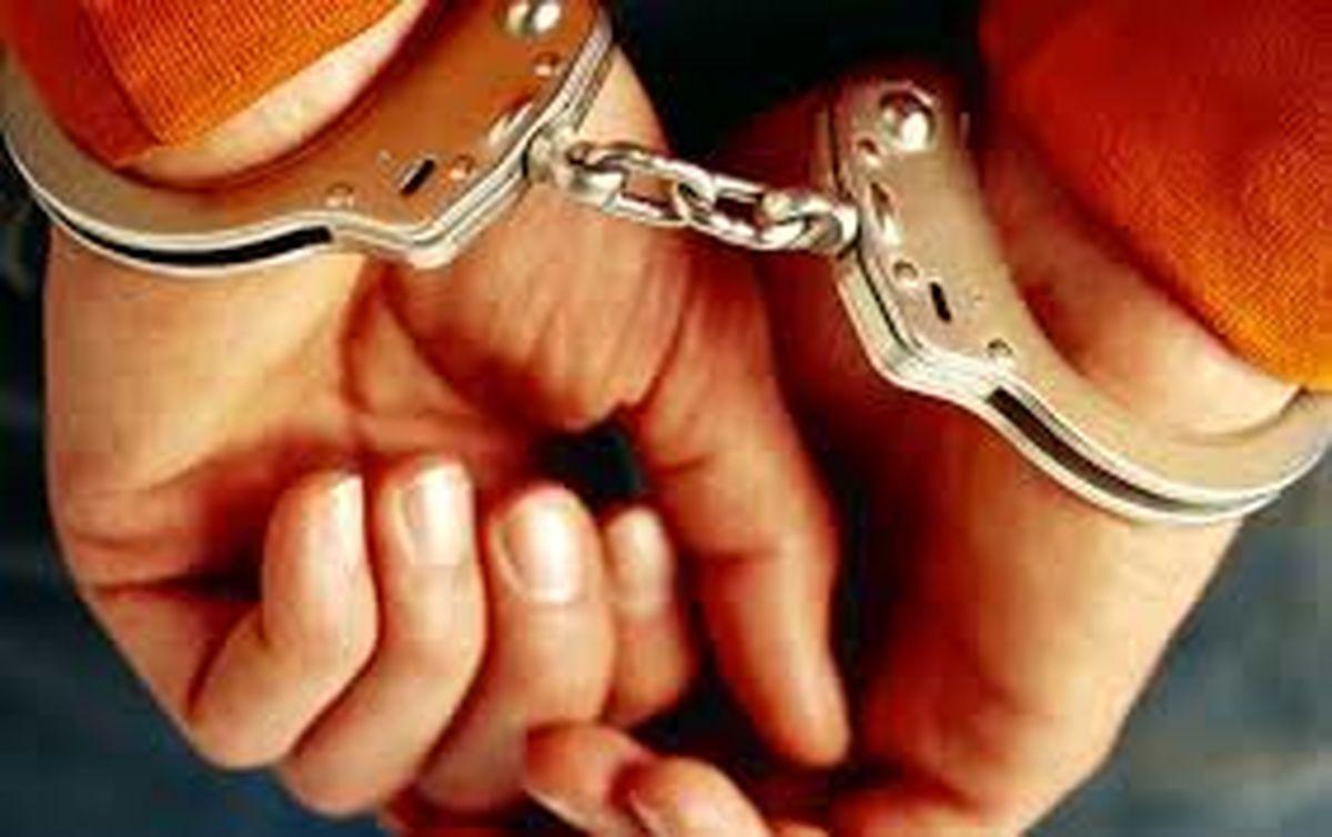 قاچاقچی ارز در فرودگاه امام (ره) دستگیر شد
