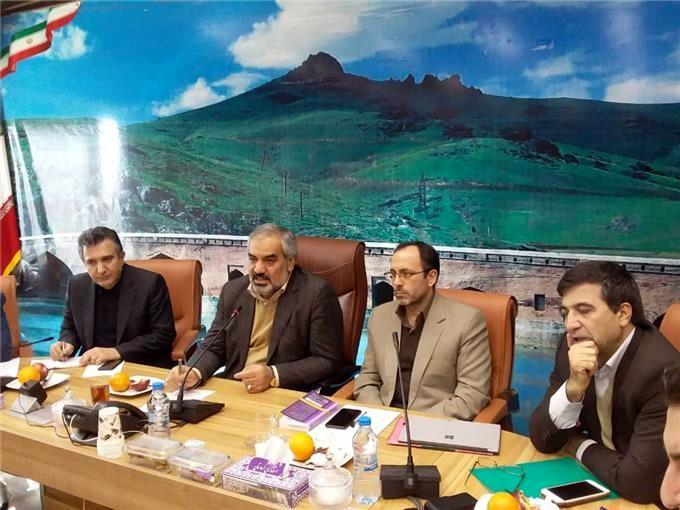 سقف پرداخت و اختیارات بانکهای کردستان باید افزایش یابد