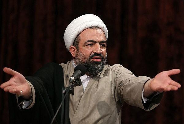 انقلاب ایران چهل سال در مقابل نظام سلطه و قلدرمآبانه ایستاده است