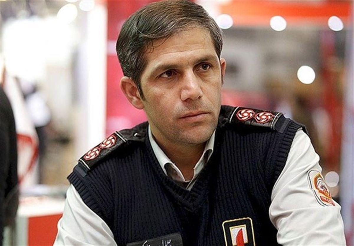 حریق گسترده در یک انبار در خیابان جمهوری تهران