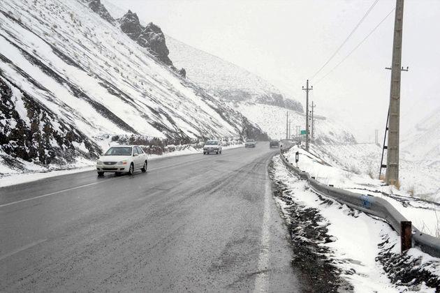 سه محور به علت ریزش برف و بهمن مسدود شد