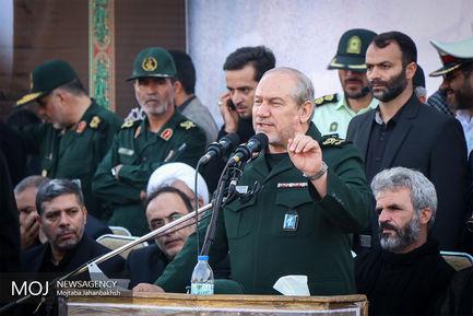 مراسم تشییع پیکر شهید حججی در میدان امام اصفهان