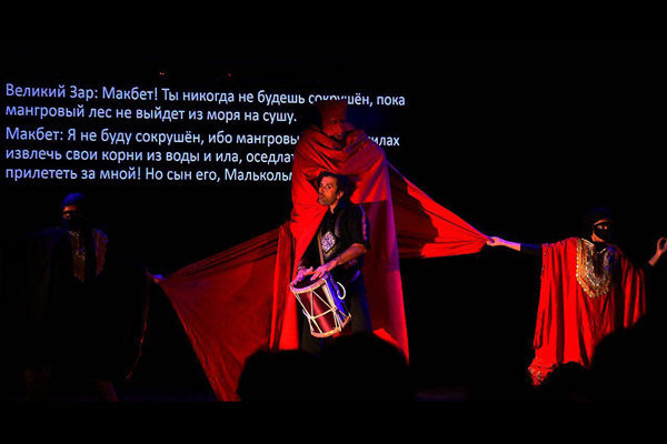 گشایش جشنواره بینالمللی تئاتر آذربایجان با اجرای مکبث زار