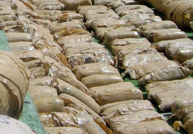 ۶۰۰ کیلوگرم مواد مخدر در میناب کشف شد/ توقیف ۸ دستگاه خودرو