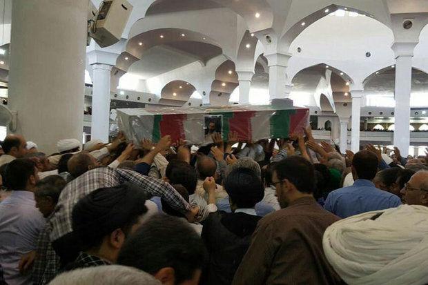پیکر مطهر یکی از شهدای حادثه تروریستی مجلس شورای اسلامی درقم تشییع و به خاک سپرده شد