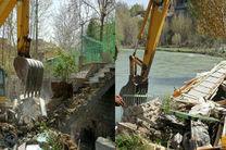 تخریب ساخت و سازهای غیر مجاز در بستر رودخانه زاینده رود