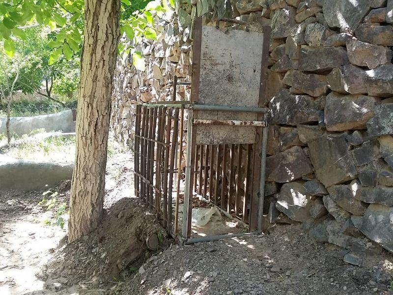کشف یک تله زنده گیری حیات وحش چهارپا در شهرستان نایین