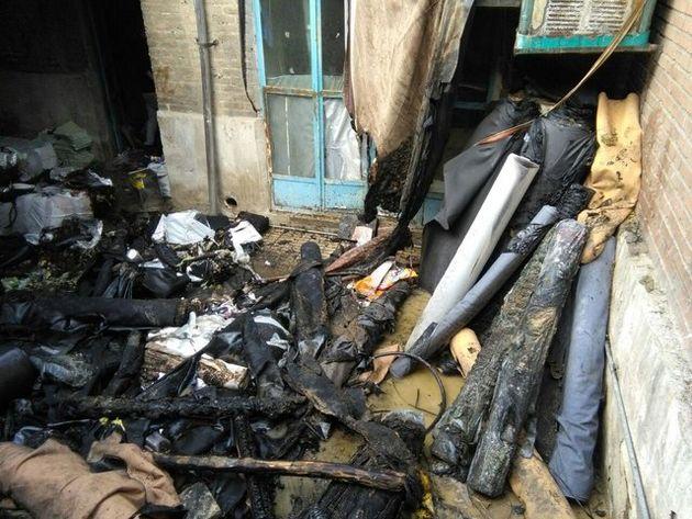 جزئیات آتشسوزی کارگاه کیف در خیابان صاحبجم