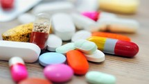 تولید یک داروی موثر در درمان کرونا در کشور/ زمان زیادی برای مطالعات بیشتر نیاز دارد