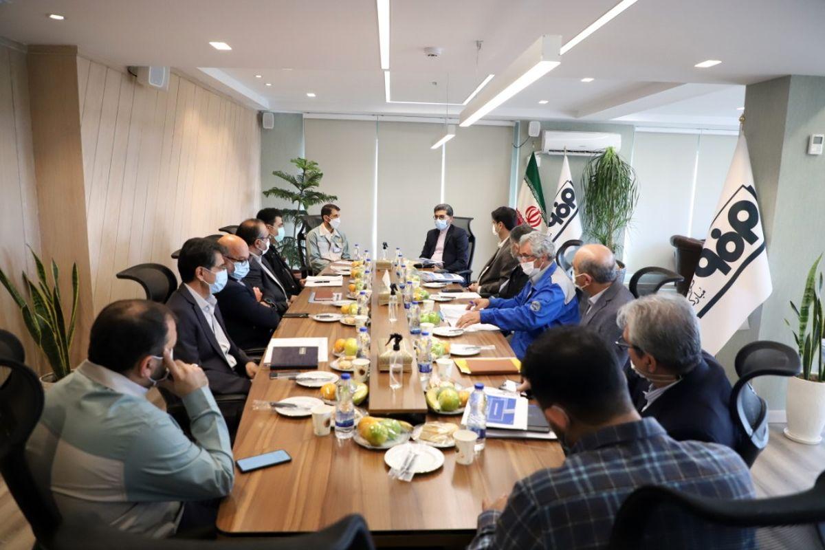گامهای دو صنعت بزرگ برای پشتیبانی از تولید/ ایرانخودرو و فولاد مبارکه دو بازوی استراتژیک برای توسعه اقتصادی کشور