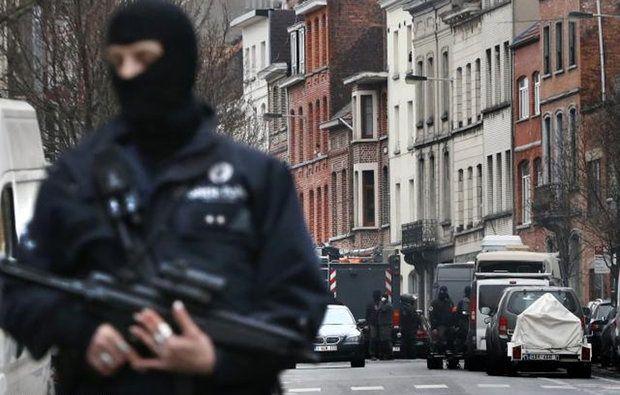 علت حمله، ضعف نهادهای امنیتی فرانسه بود