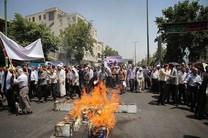 حضور مردم در مسیرهای راهپیمایی روز قدس پیش از آغاز رسمی مراسم